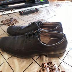Μαύρα παπούτσια35 τρίψτε.