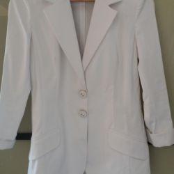Jacheta albă