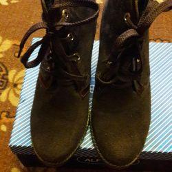 S / μπότες για γυναίκες σουέτ, που χρησιμοποιούνται λίγο.