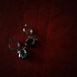 Earrings, a great gift!