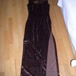 Maxi evening dress .. 44 46