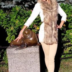 Vest knitted with fur from Colins p42