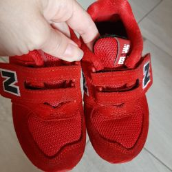 New! Sneakers New Balance 25 size