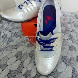 Sneakers 37—37.5