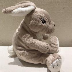 Yumuşak oyuncak Tavşan. Yeni.