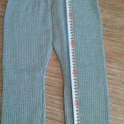 Νέα πλεκτά παντελόνια για ένα παιδί