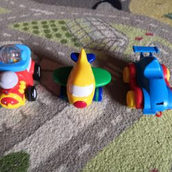 The first cars to the kid