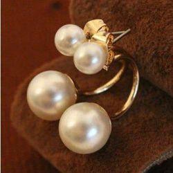 Perle albe delicate de culoare albă