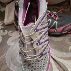 Νέα αθλητικά παπούτσια, μέγεθος 37