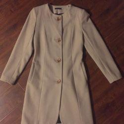 Ζεστό γυναικείο παλτό, κλασικό
