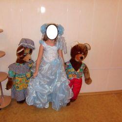 Voi vinde o rochie elegantă pe fată timp de 6-8 ani