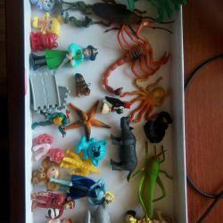 Small figures, kinder surprise