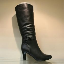 68. Winter boots p.35,36, leather, new