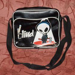 Η τσάντα είναι νέα νεολαία.