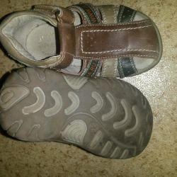 Bebek sandalet