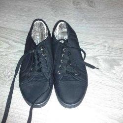 Pantofi noi 38r-r