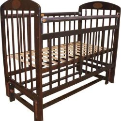 Cot with pendulum