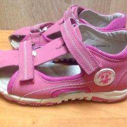Sandals 31 p.