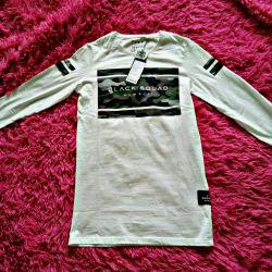 New men's sweatshirt was bought in the planetNem Yorker