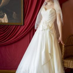 Продам весільну сукню після хімчистки