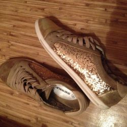 🌟🌟🌟Gold sneakers 39p