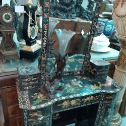 Toilet table Antiques Europe