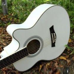 Jumbo gitar + kemer + aracıları