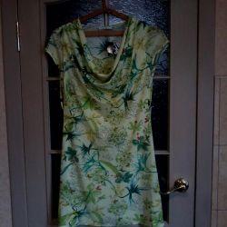 Θα πωλούν νέα φορέματα !!!