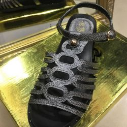 Shoes for 700