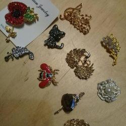 Brooch decorations