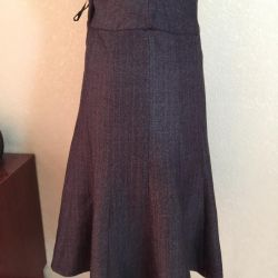 Flared skirt of wool