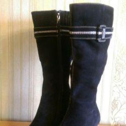 Οι μπότες σουέντ φθινόπωρο