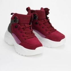 Γυναικεία παπούτσια σίγμα