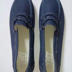 Teneke gibi ayakkabı mokasen