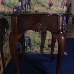 Beautiful table from the 80s (mahogany)