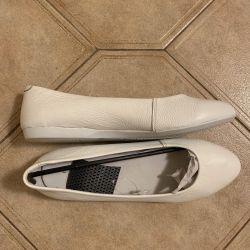 Kadınlar için bale ayakkabıları. Gerçek deri. Numara 40