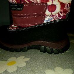 Νέες μπότες για παιδιά χειμώνα