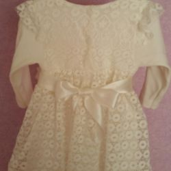 Πολύ χαριτωμένο φόρεμα για μια μικρή πριγκίπισσα