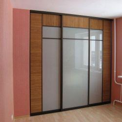 Sliding wardrobe Built with Inserts