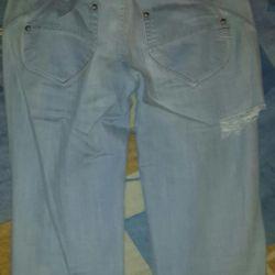 Рваные джинсы.сидят обалденно