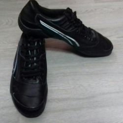 Обувь для занятий спортом.
