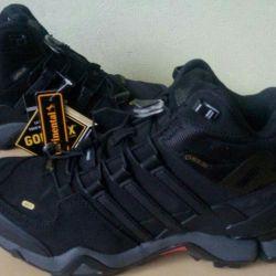 Кроссовки Adidas Terrex Gore-Tex Новые