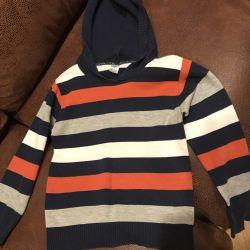 Pulover pentru un băiat de 5-7 ani