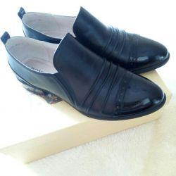 Νέα παπούτσια.