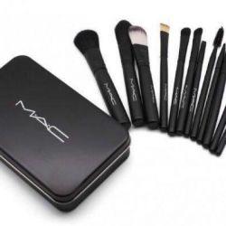 A set of professional brushes MAC Makeup 12