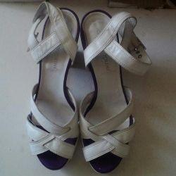 Sandale din piele p39