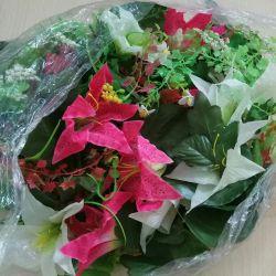 Τεχνητά λουλούδια και χόρτα