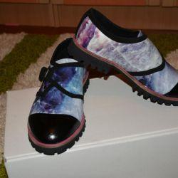 Новые брендовые туфли натур кожа внутри и снаружи