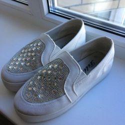 Rhinestone Slip-on Sneakers