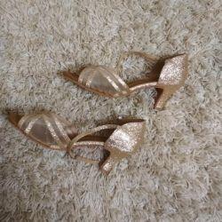 Παπούτσια για χορό σανδάλια